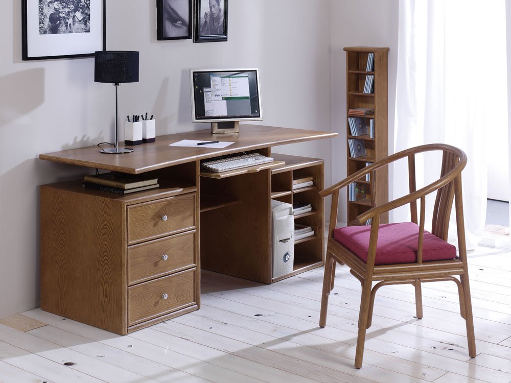 bureau rotin 1973. Black Bedroom Furniture Sets. Home Design Ideas