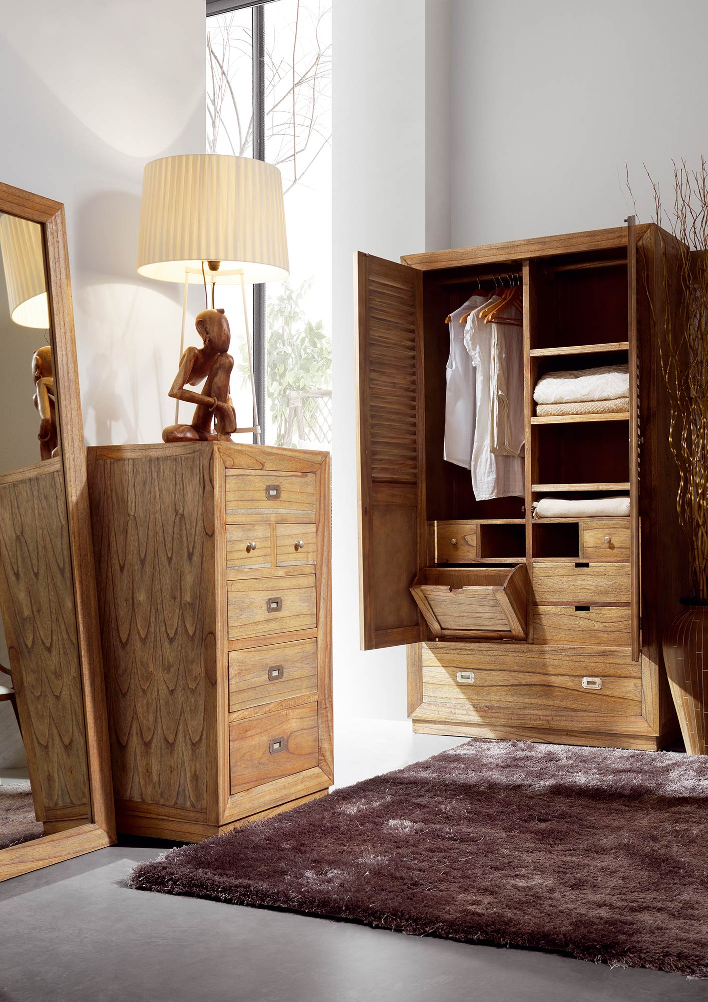 armoire de chambre avec penderie en bois de mindy. Black Bedroom Furniture Sets. Home Design Ideas
