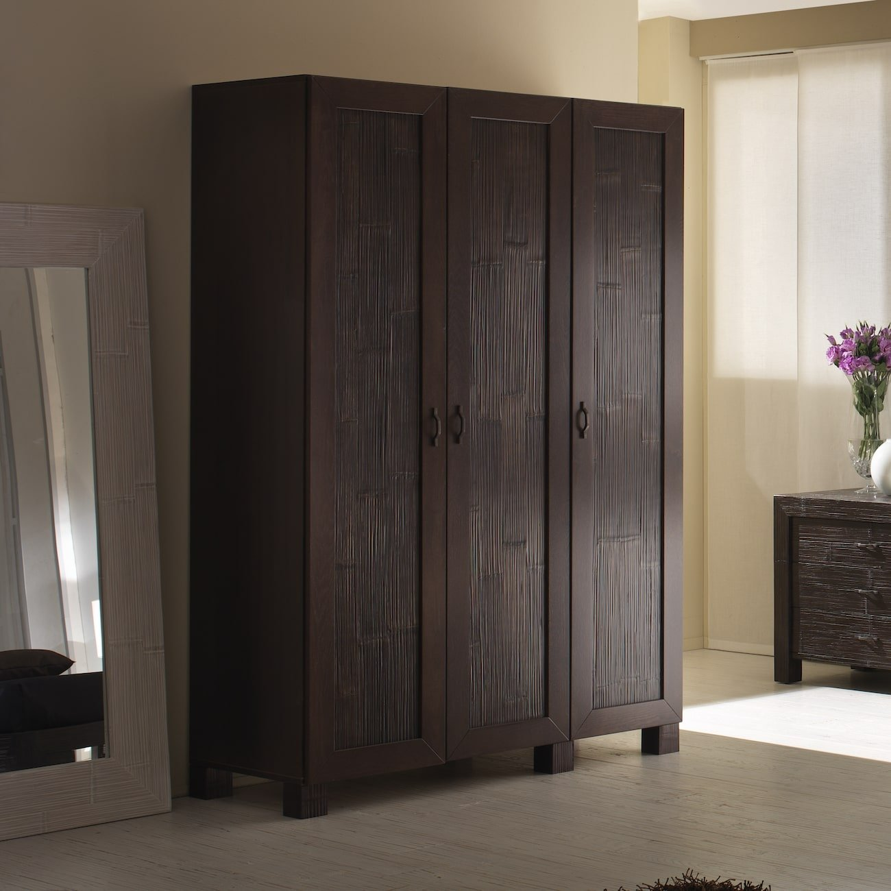 armoire de rangement chambre indah. Black Bedroom Furniture Sets. Home Design Ideas