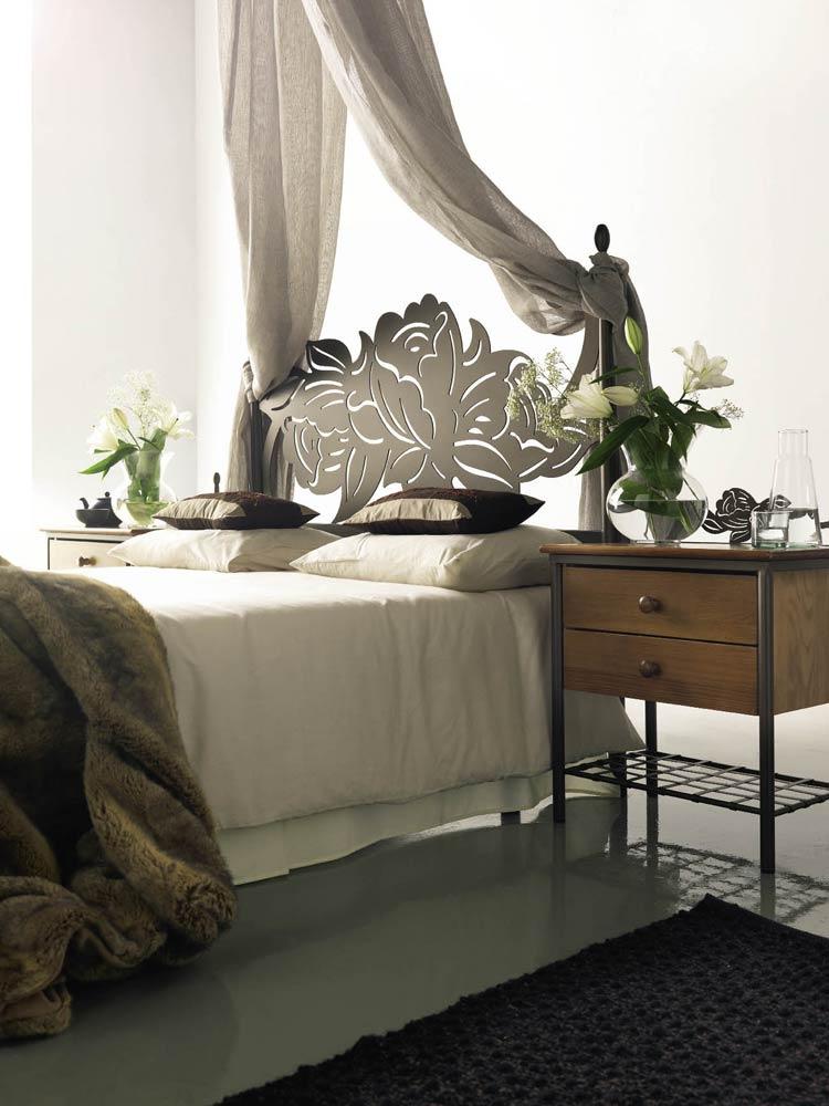 t te de lit dessin floral m tal et fer forg rosacier 5851. Black Bedroom Furniture Sets. Home Design Ideas