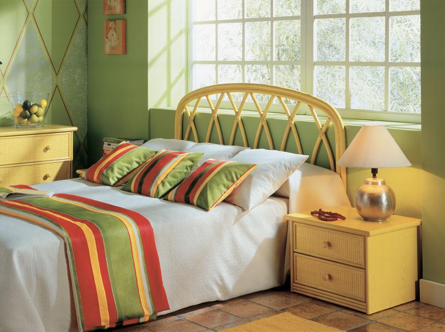t te de lit rotin cierra 3610. Black Bedroom Furniture Sets. Home Design Ideas
