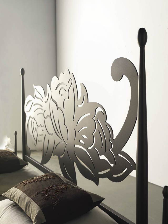 t te de lit dessin floral m tal et fer forg rosacier 5851. Black Bedroom Furniture Sets. Home Design Ideas