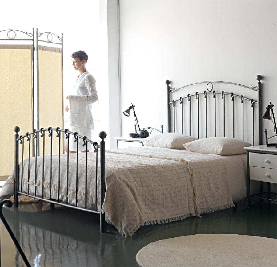 lit fer forg artisanal 6335. Black Bedroom Furniture Sets. Home Design Ideas