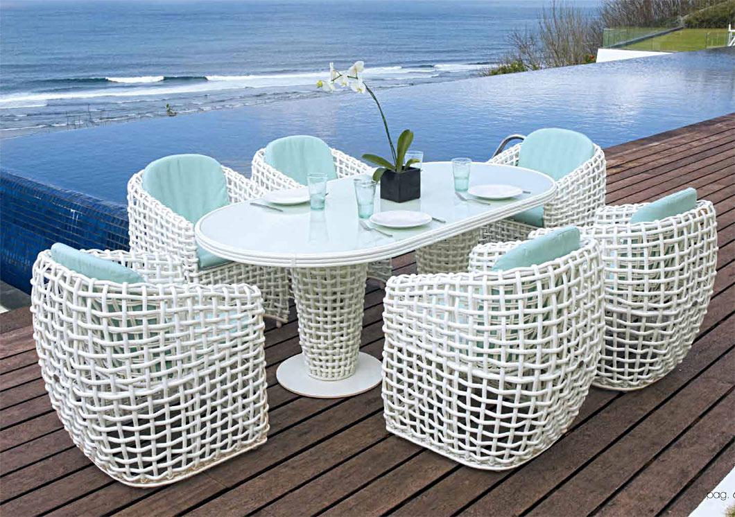 La r sine tress e blanche pour un canap de jardin luxe for Blanche porte salon de jardin