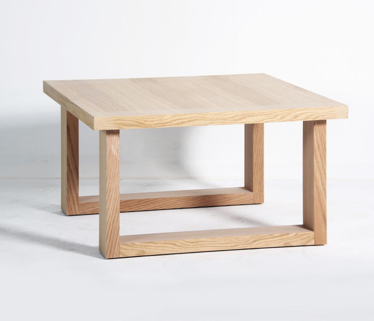 Table basse design mighty lignes ajour es ch ne haut de for Table basse bois design
