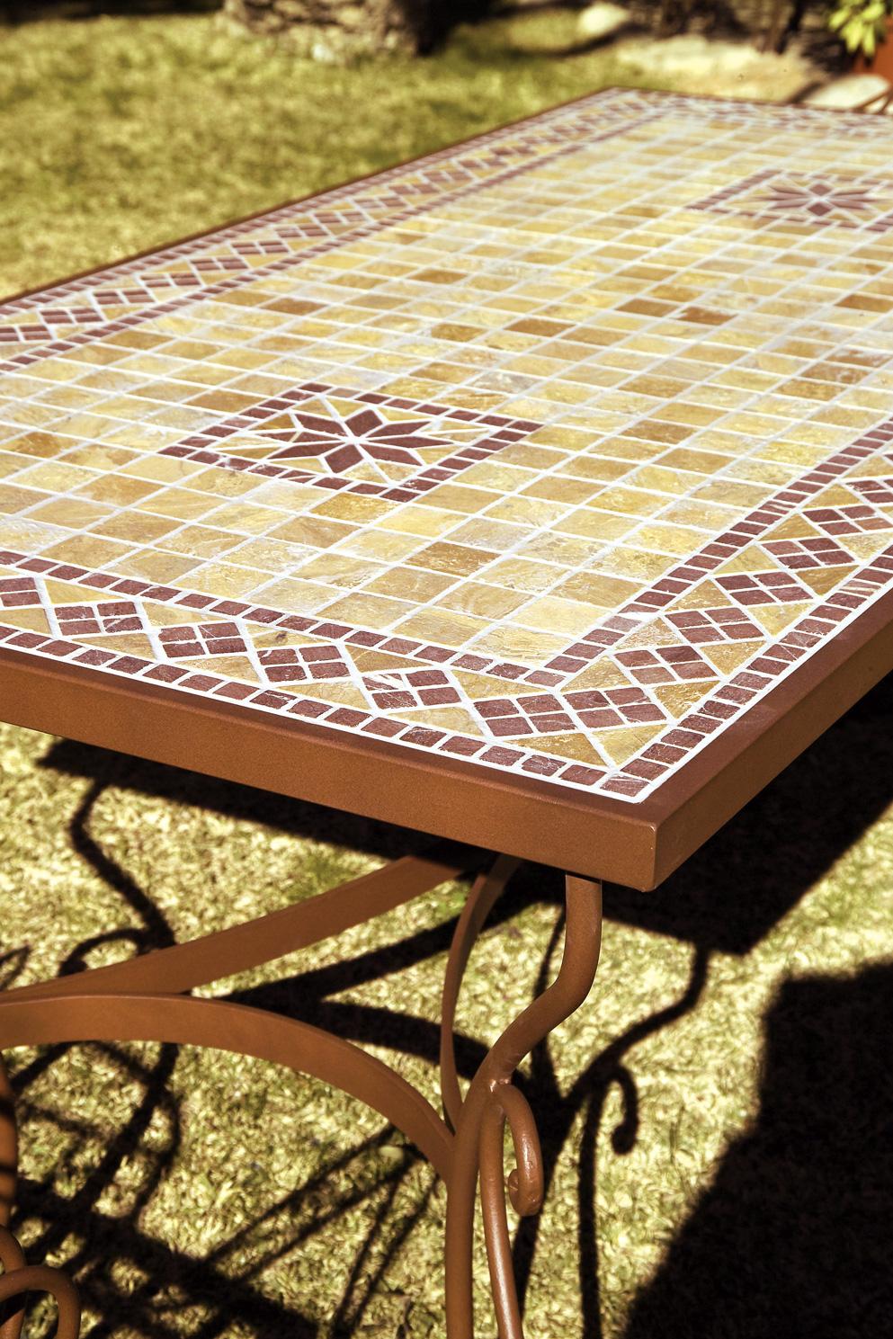 table marocaine en fer forg et zellige personnalisable. Black Bedroom Furniture Sets. Home Design Ideas