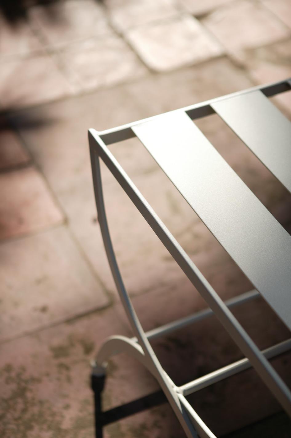 Table repas de jardin en m tal fer forg et plateau en verre for Porte en verre et fer forge