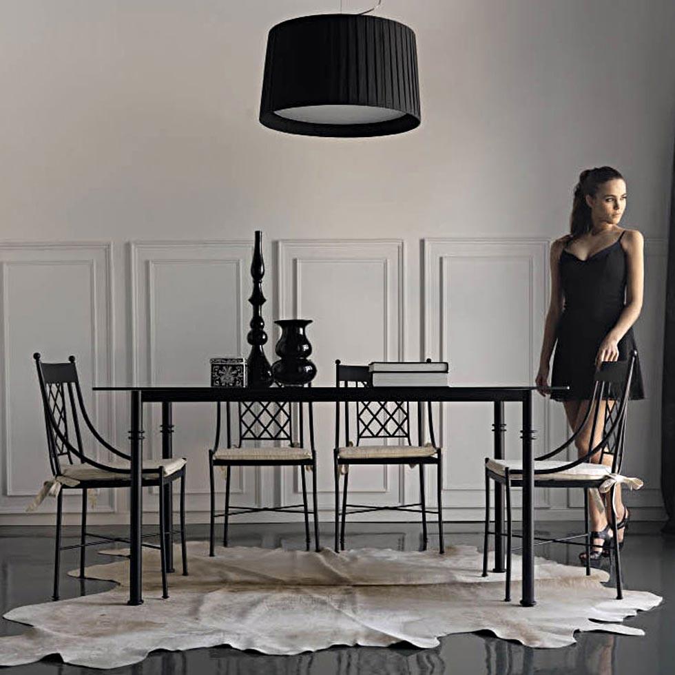 La table en m tal rectangulaire pour une d coration d - Salle a manger en fer forge et verre ...