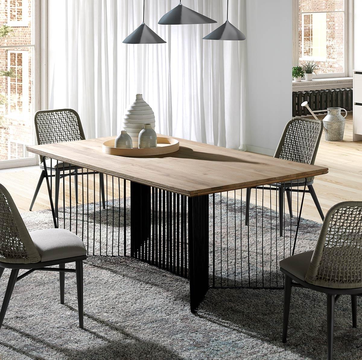 Pervet, table repas moderne, piétement métal et bois