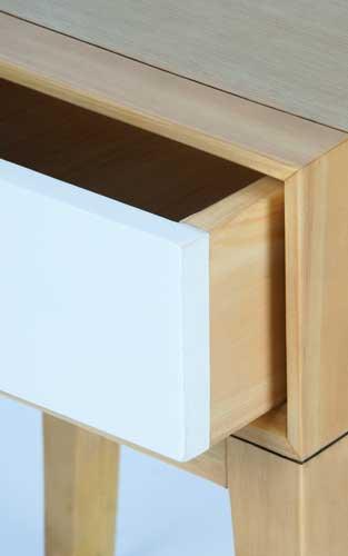 Détail de fabrication de la gamme Nordic / Réalisée à partir de pin et de chêne
