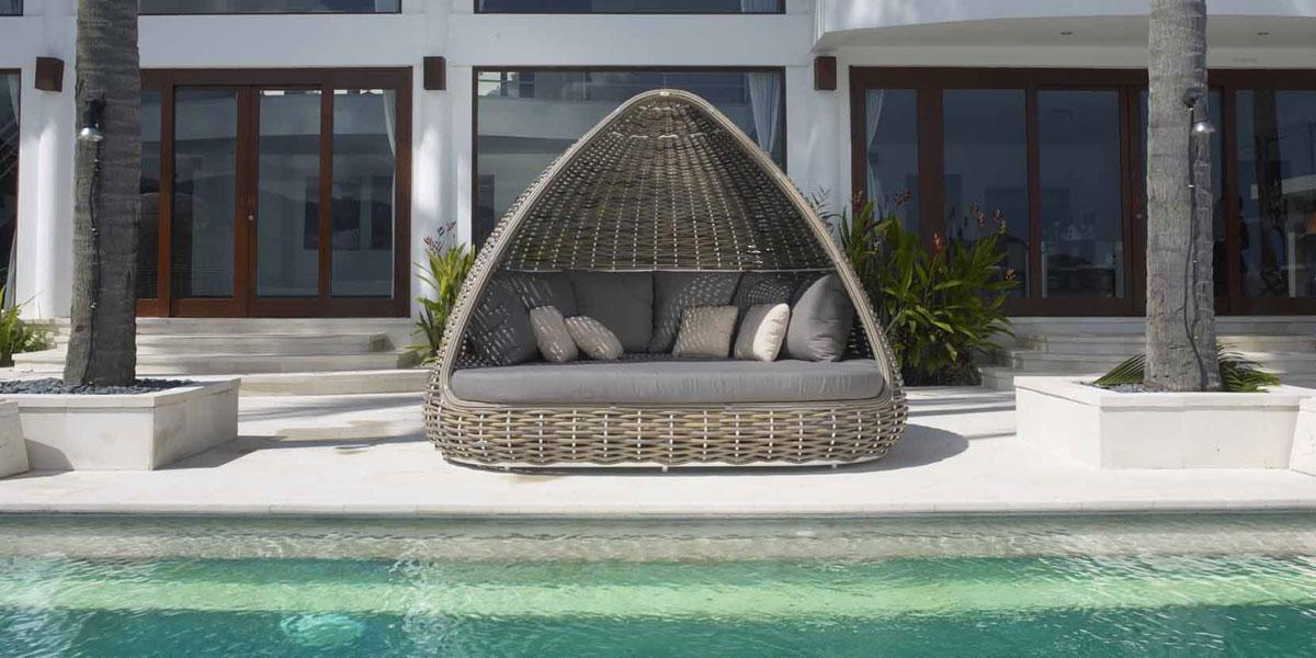 Mobilier de jardin haut de gamme c 39 est lusso for Lit exterieur jardin