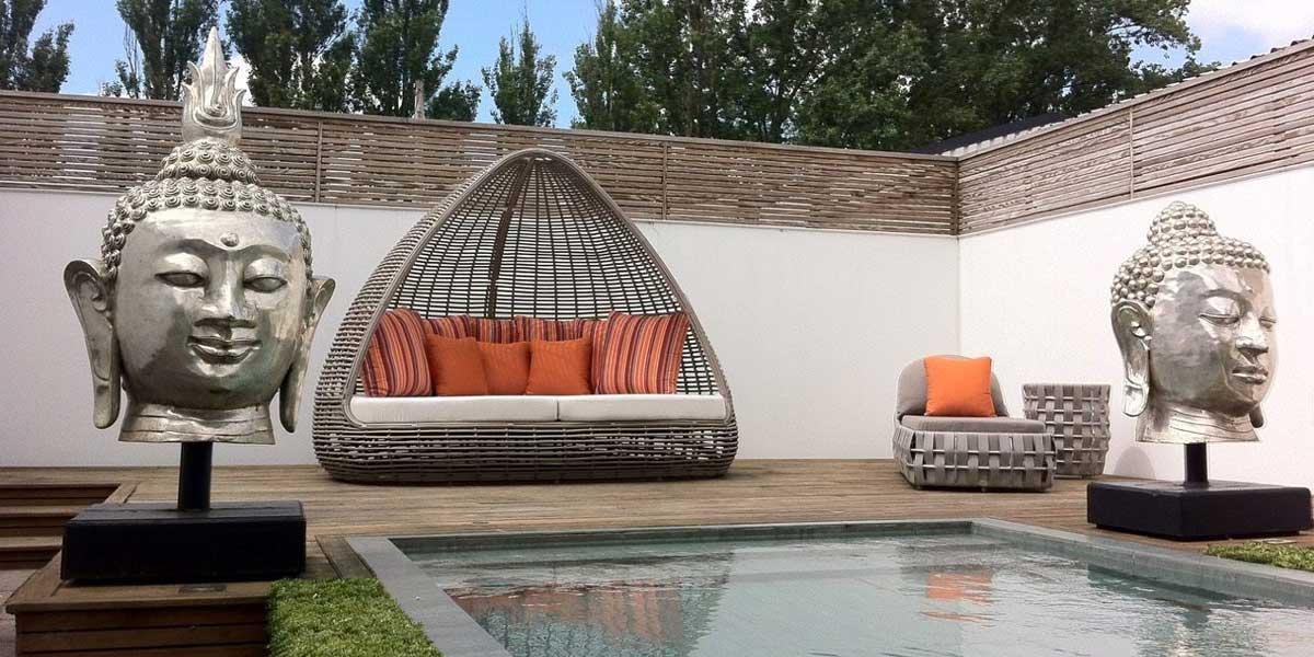 Découvrez Lusso - La gamme Indoor Outdoor luxe (produit :  Lit de jardin avec toit résine et aluminium Lusso #6031)