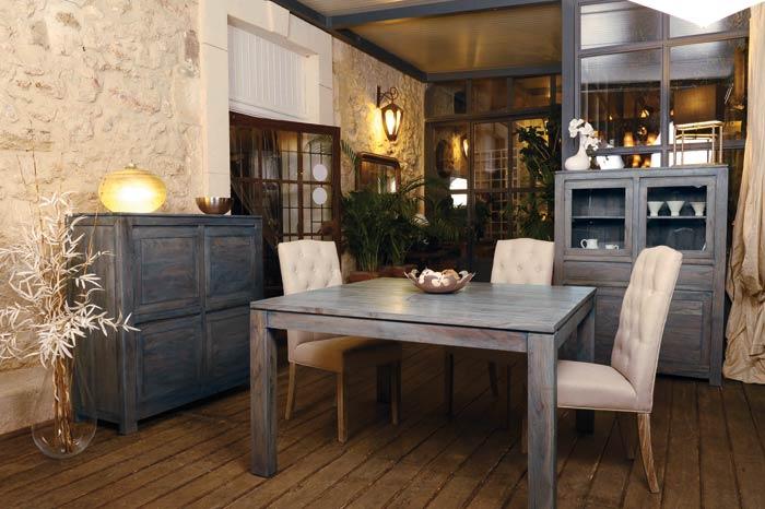 Meubles gris en bois bonjour obscur for Salle a manger bois gris