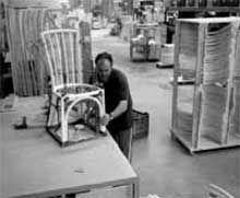 Assemblage des différents éléments - Chaise en rotin