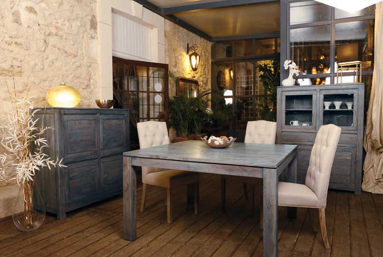 Tables pour salle manger en bois bambou et fer forg for Salle a manger kitea